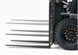 xe nang diesel nissan 1.5 3.5 tan