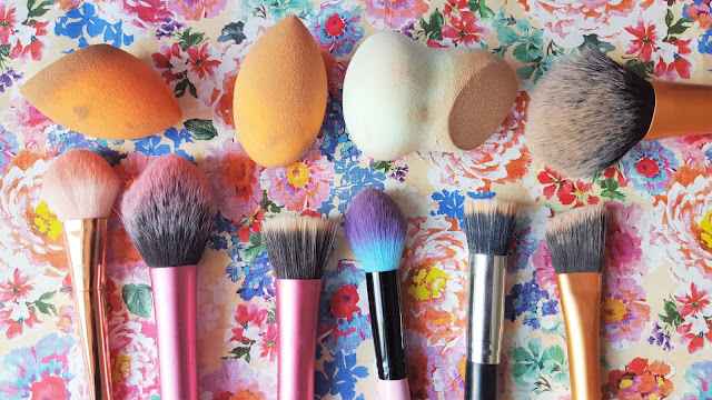 Beauty | Makeup Spring Clean Tips - Makeup Brushes