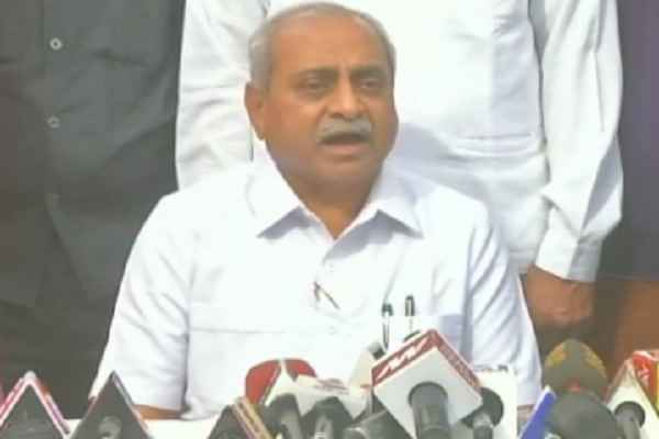 nitin-patel-rejected-hardik-patel-offer-will-take-charge-of-ministry