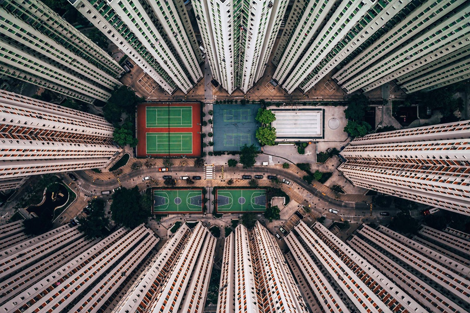 Hong Kong aus einem besonderen Blickwinkel | Die dystopisch ästhetisch anmutende Fotos von Gary Cummins
