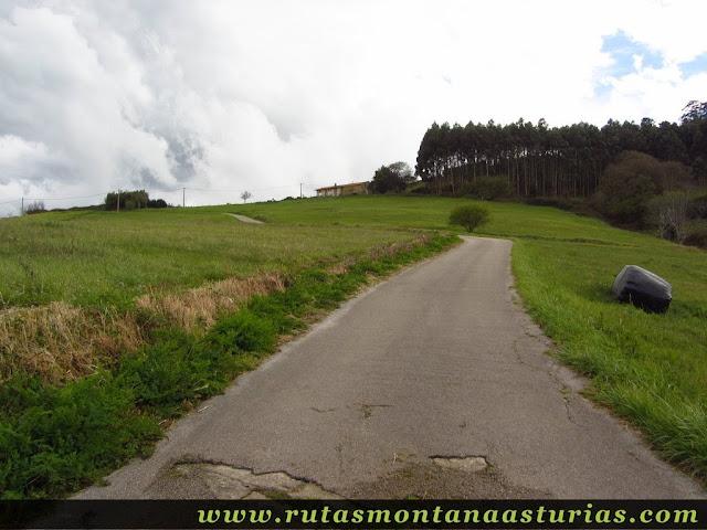 Carretera a La Menudera en Corvera