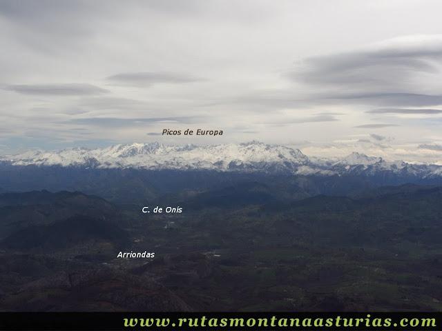 Desde el Sueve, Arriondas, Cangas de Onís y Picos de Europa
