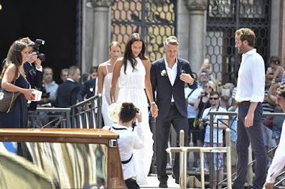 schweinsteiger resmi pinang wanita ini