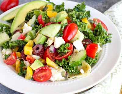 greek-kale-salad-avocado