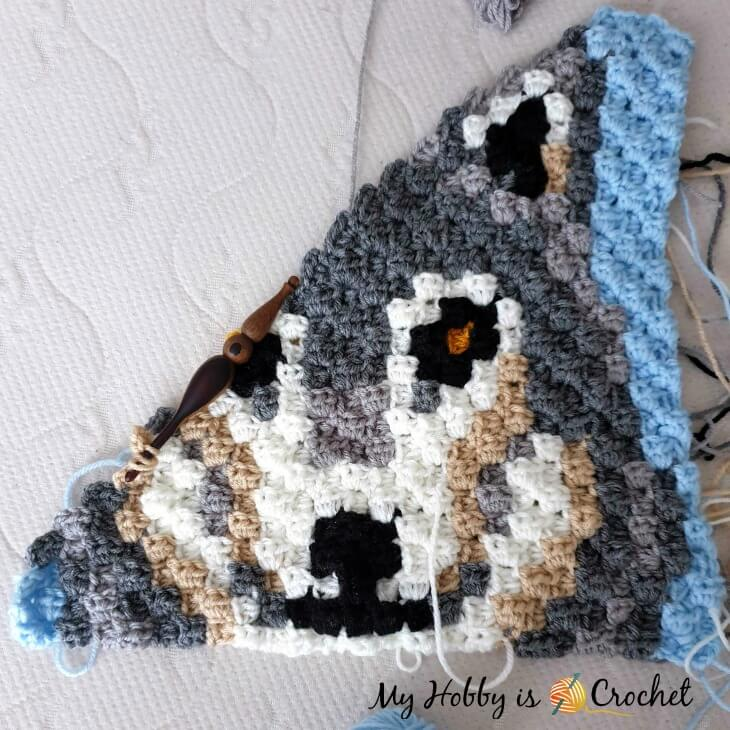 Grey Wolf C2C Square - Free Crochet Pattern