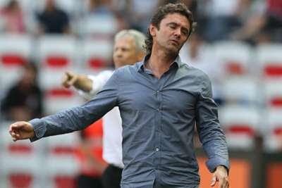 """""""Bandar Bola - Lorient Memberhentikan Pelatih Ripoll"""""""