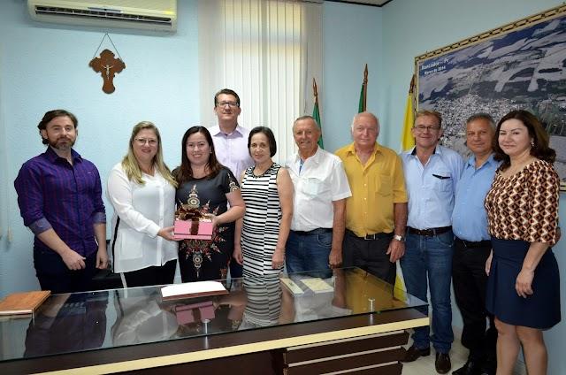 Embaixatriz da Ucrânia no Brasil visita Roncador