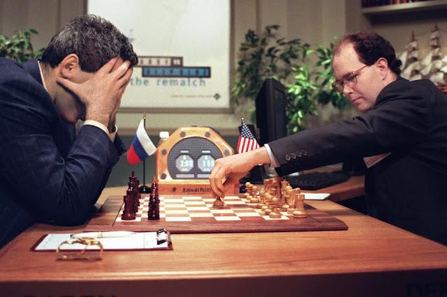 خطوة واحدة عملاقة لآلة لعب الشطرنج