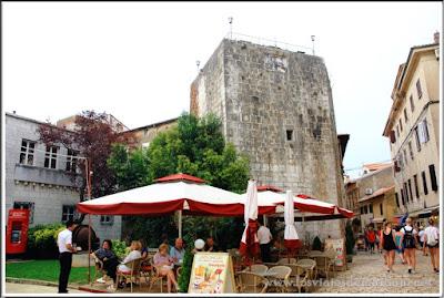 Torre pentagonal de las murallas de Porec