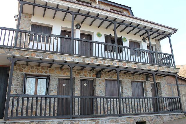 Alojamientos Castilla y León O Palleiro fachada