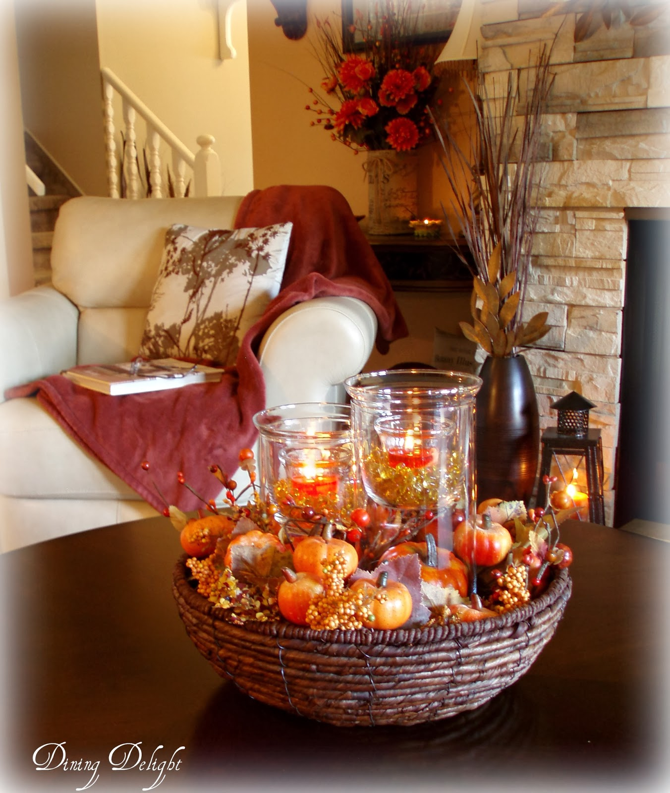 Dining delight fall coffee table centerpiece for Pictures of fall table decorations