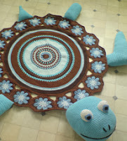 http://www.ravelry.com/patterns/library/sea-turtle-rug