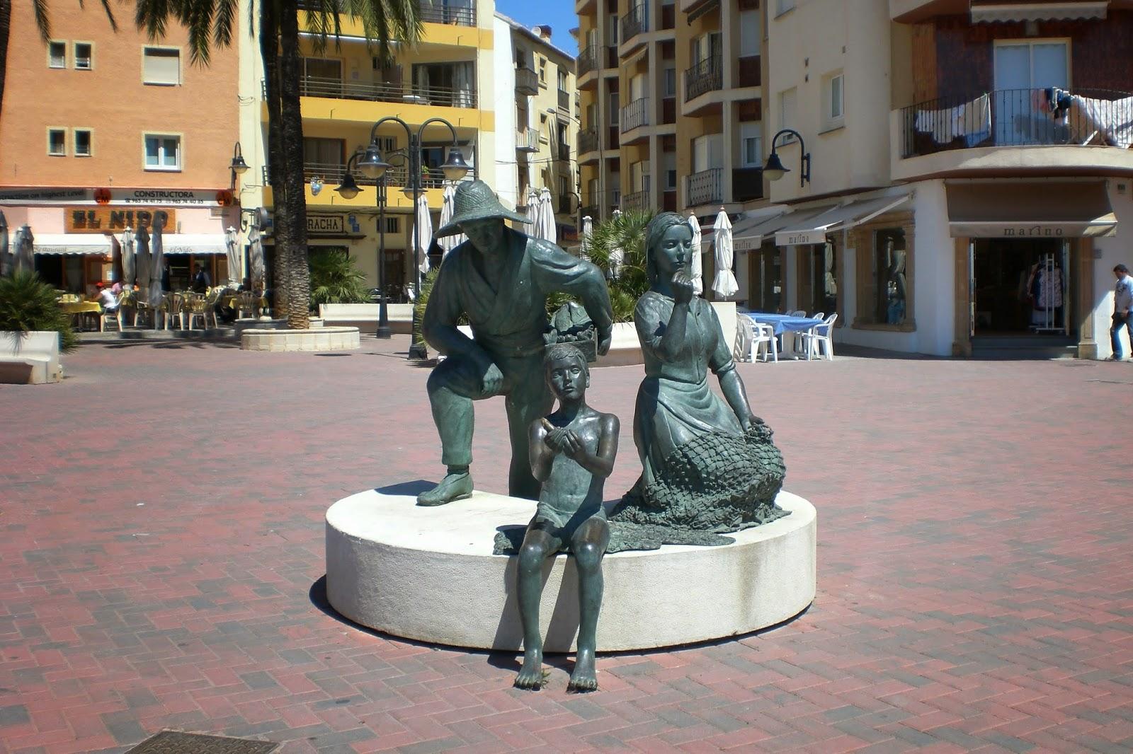 Bronze statue in Moraira