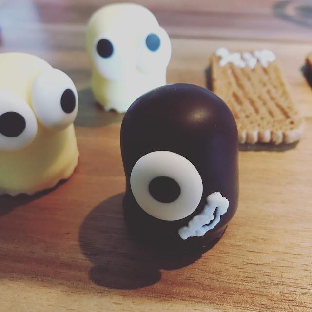 Halloween mit Kindern - Schaumkuss Monster und Gespenster