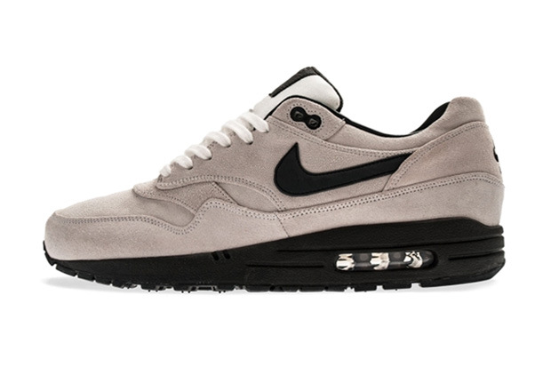 "buy online dd034 ba049 Nike is getting ready to drop a slew of new models and colorways in 2013,  including the Nike Air Max 1 Premium in the restrained ""Summit White""  colorway ..."