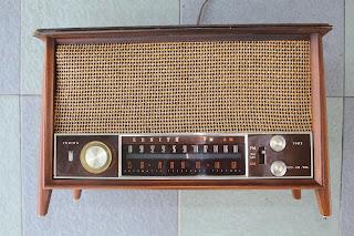 Vintage Zenith Model K731 tube FM radio (sold) K731%2Bfront
