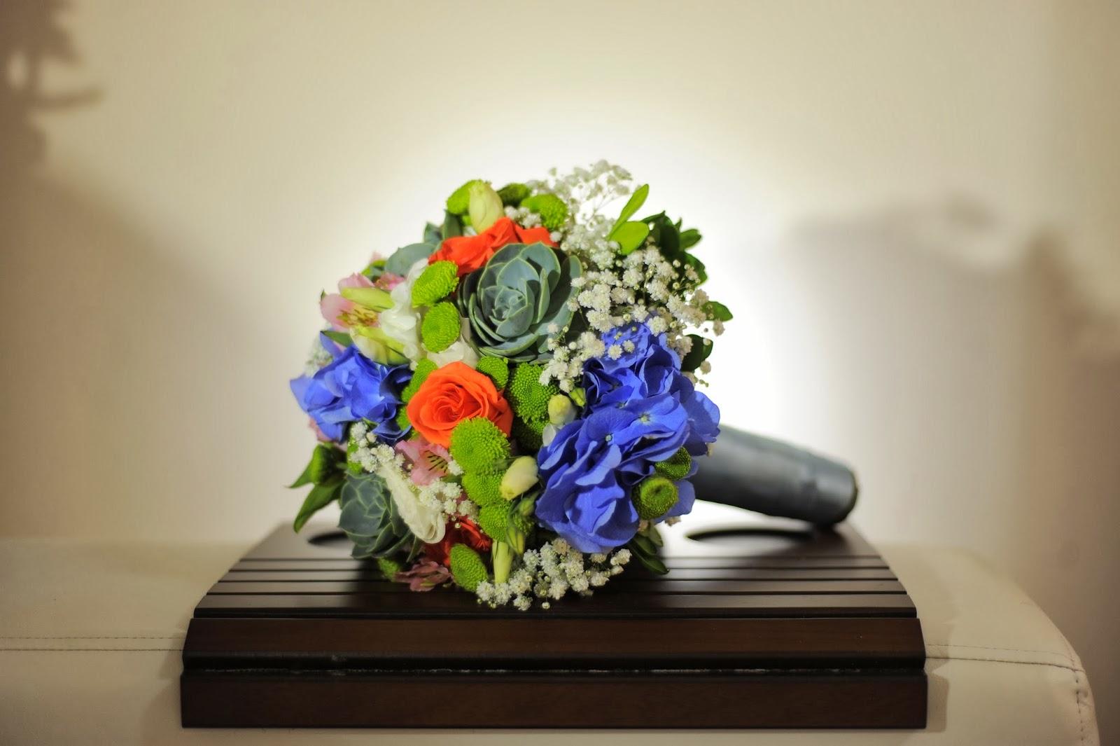 making-of-noiva-casamento-dia-azul-amarelo-bouquet