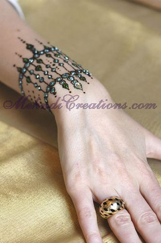 15 Henna Mehndi Designs Which Look Like Real Jewelery  Bling Sparkle