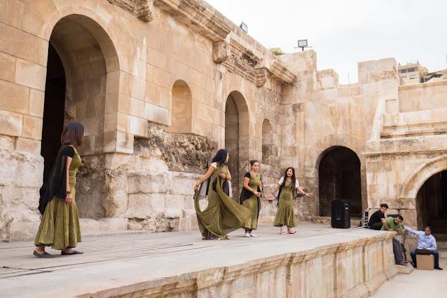 Obra de teatro en el Odeón de Amman