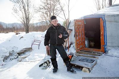 Un sauna de hielo construido en Rusia.