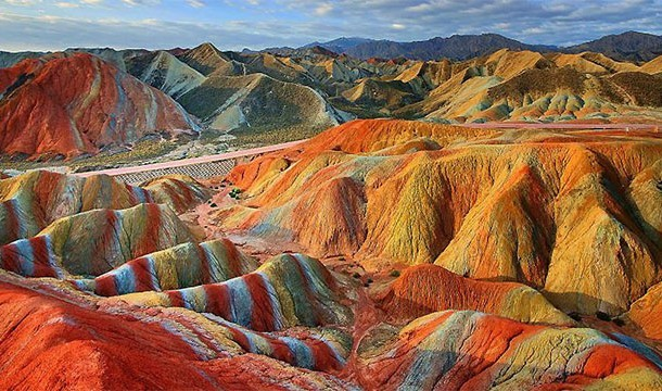These 20 Unbelievable Pictures Might Look Like An Illusion But They Are Absolutely Real - Danxia Landforms