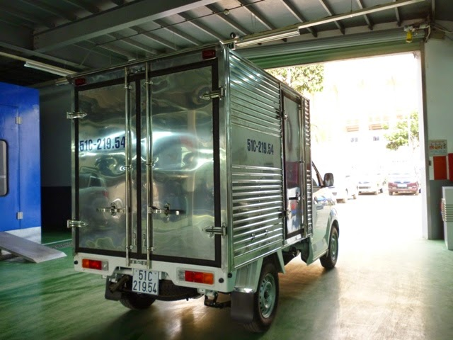 xe tai suzuki 500kg thùng kín 10