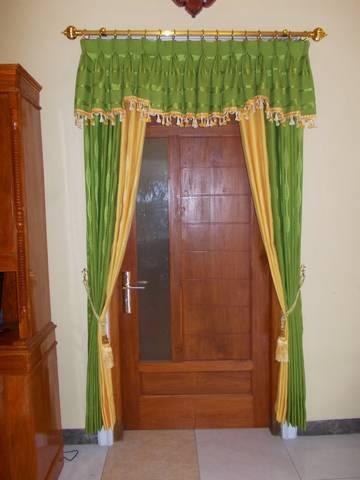 Unduh 530 Koleksi Gambar Gorden Pintu Tengah