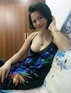 Máy bay bà già Việt Nam tìm trai