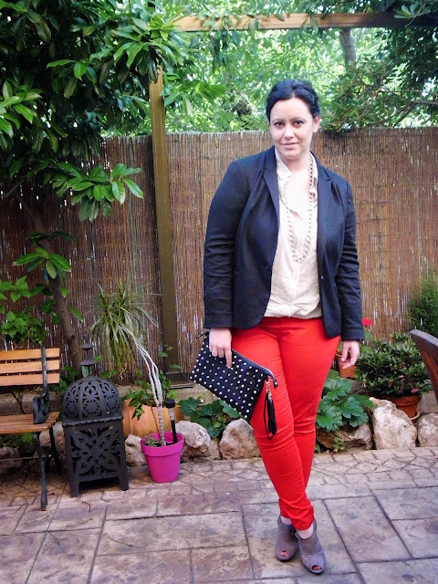Look 131 - Red Pants -