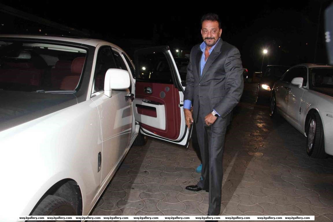 Sanjay Dutt was among the celebrities at Kresha Bajajs wedding reception