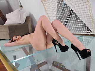 InTheCrack 1081 Nina Sunrise XXX Image Set