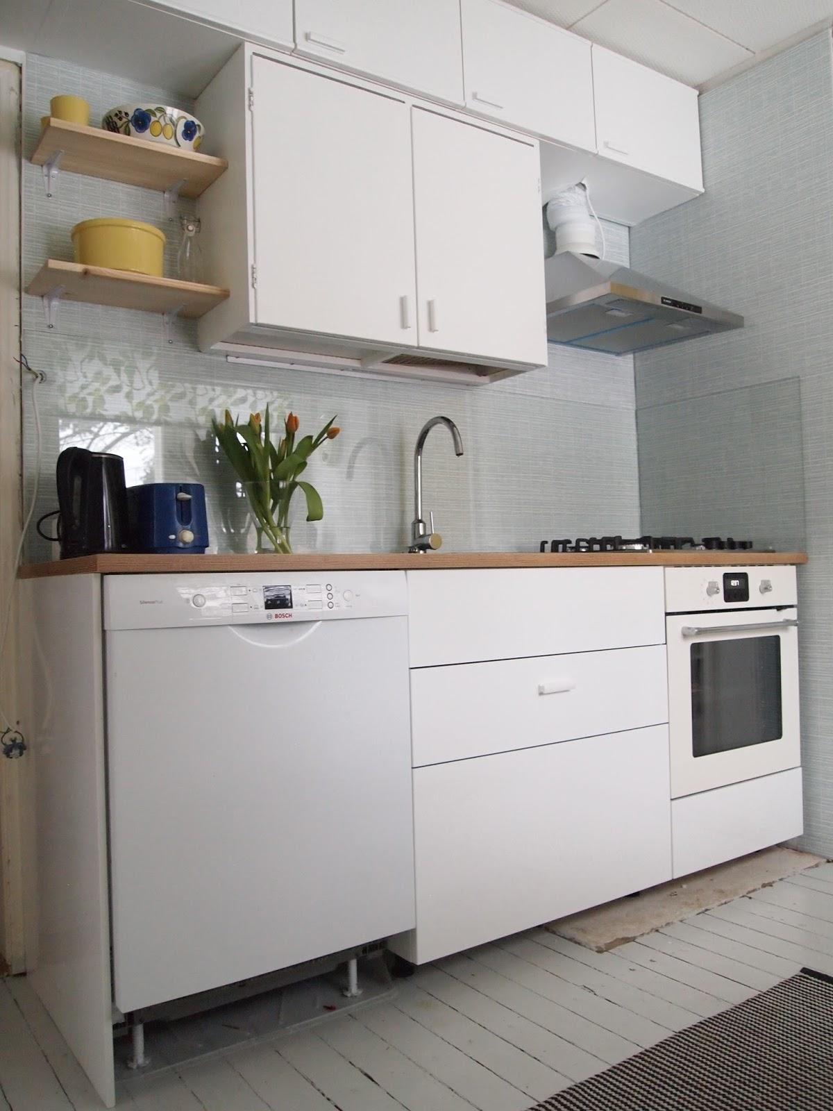 rintamamiestalon keittiön kaapit