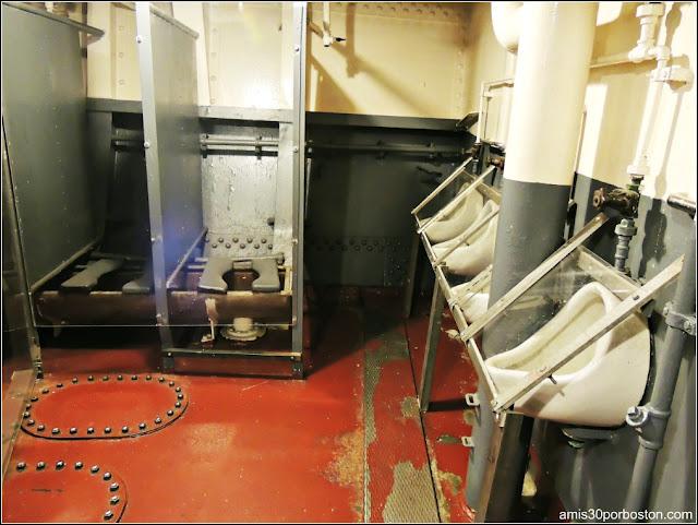 Cuartos de Baño de la Tripulación del USS Massachusetts