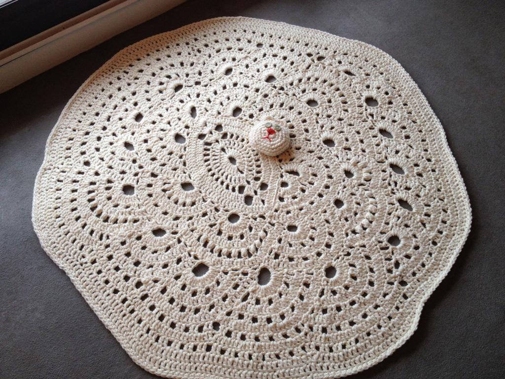 mes r ves de crochet tapis de jeu pour chambre d 39 enfant. Black Bedroom Furniture Sets. Home Design Ideas