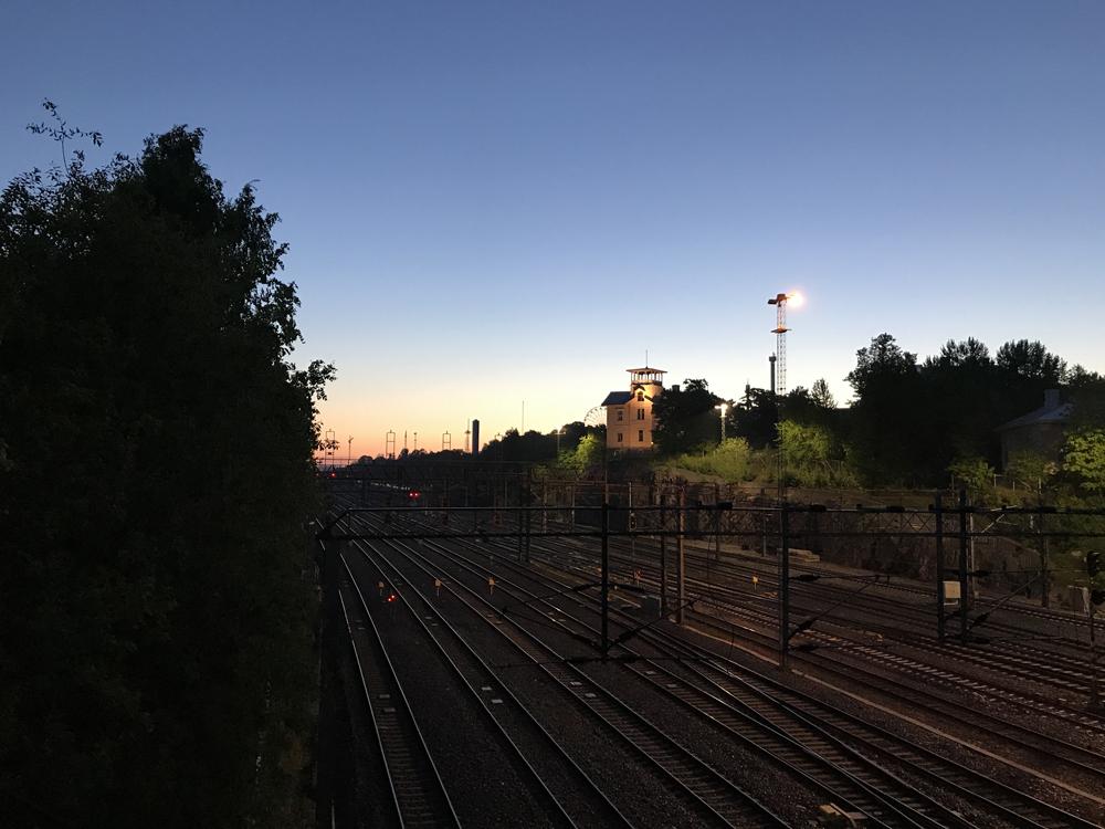 Kaupunkipyörällä auringonlaskusta auringonnousuun 24