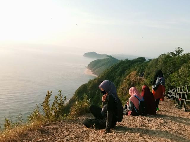 Hiking Bukit Keluang