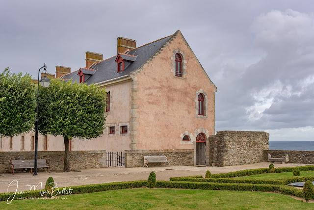Accès aux cellules de la citadelle du Palais (Belle-Île en Mer).