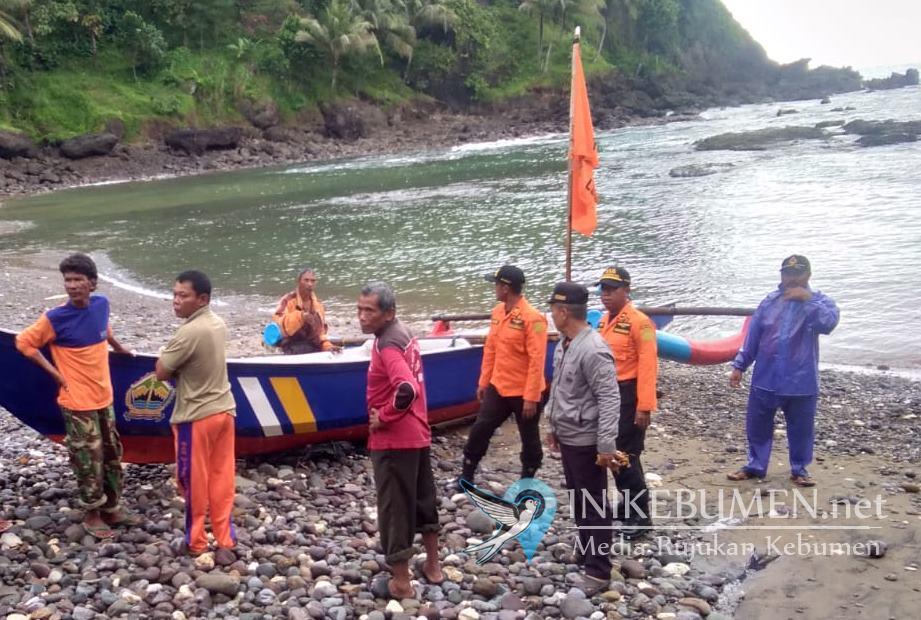 Nelayan yang Hilang  Saat Melaut di Perairan Ayah Belum Ditemukan