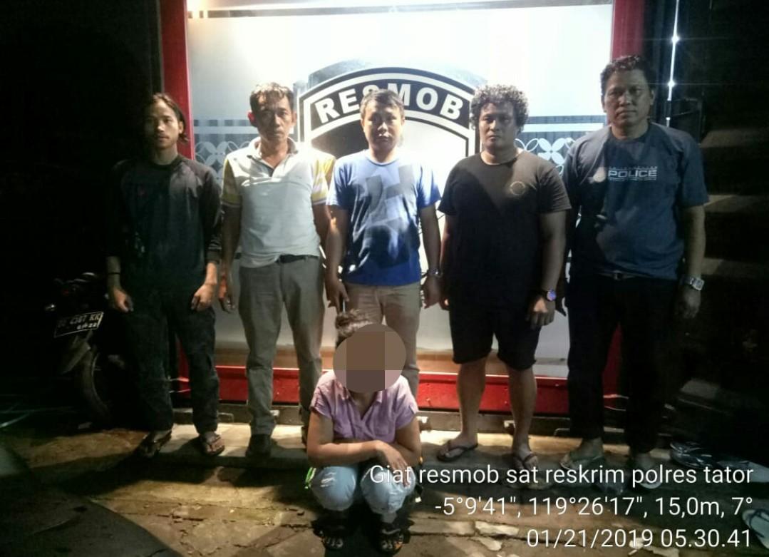 Satu Pencuri Susu Balita di Toko Fajar Mengkendek, Ditangkap Resmob Polda Sulsel di Makassar