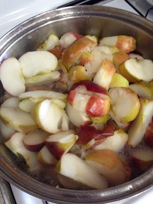IMG 4922%255B1%255D - Homemade Applesauce