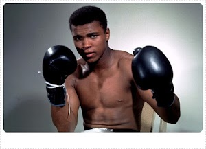 Sarung Tinju Legendaris Muhammad Ali Terjual 12 Milyar