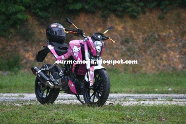 KTM Duke 200 Hello Kitty