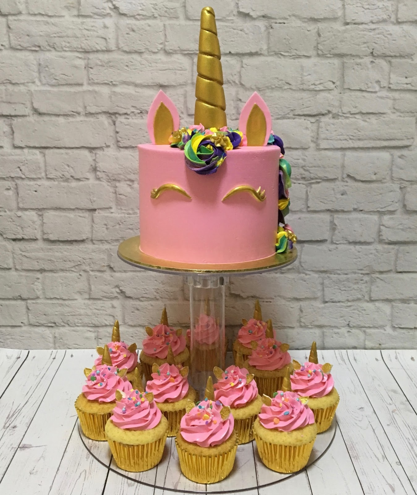 Pink Unicorn Cake Cupcakes