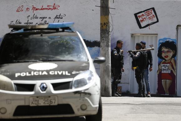 Dados do Anuário Brasileiro da Segurança Pública mostram que 4,2 mil pessoas foram mortas por policiais militares ou civis em 2016Tânia Rêgo/Arquivo Agência Brasil