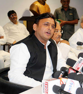 bjp-trying-to-run-the-administration-with-mantra-and-prasad-akhilesh