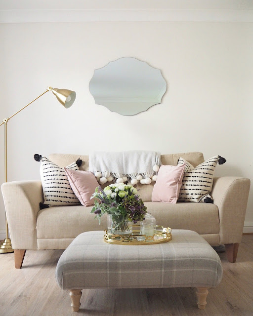 How to accessorise a room using soft furnishings, different textures, and some rules to stick to when finishing off a room. Home decor accessories and finishing touches.