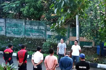 Pak RT Taman Bunga Melakukan Briefing Pagi Untuk Petugas Keamanan dan Kebersihan