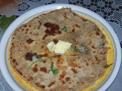 Mooli parantha with Butter