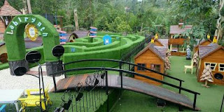 wahana tiket masuk dan alamat dusun bambu family leisure park  lembang
