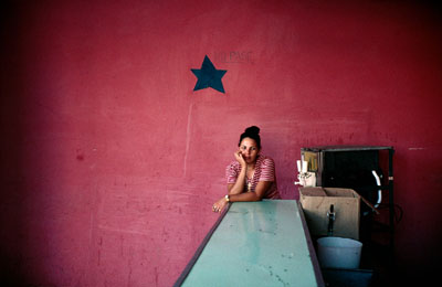 http://adreciclarte.tumblr.com/post/121297670501/camaguey-cuba-2008-by-alex-webb